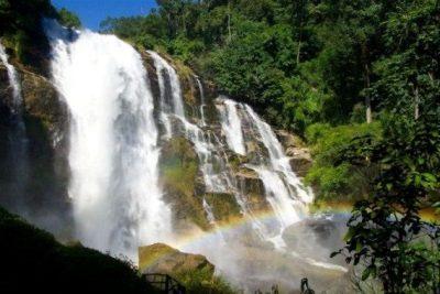 Chiang mai Doi Inthanon Cascada de Wachiratan