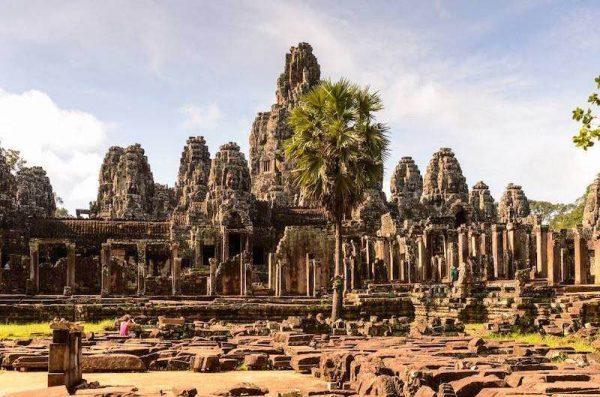 Vietnam con Camboya y Laos templo de Bayon